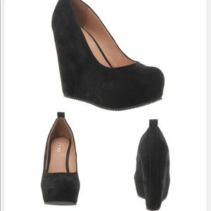 Calcagni platform suede hi heels
